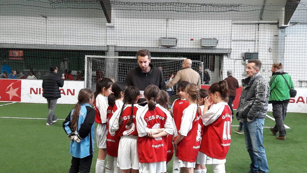 Teambesprechung Mädchenfußball